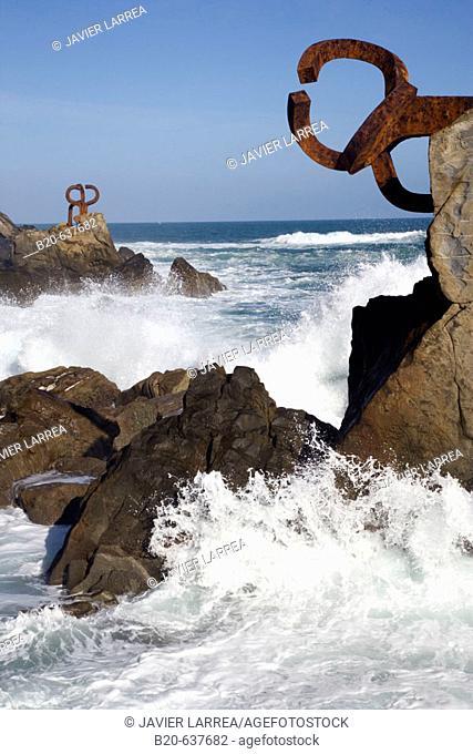 'Peine de los Vientos' sculpture by Eduardo Chillida, San Sebastian. Guipuzcoa, Euskadi, Spain
