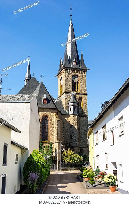 Germany, Rhineland-Palatinate, district Trier-Saarburg, Wiltingen, Saar cathedral, parish church St. Martin