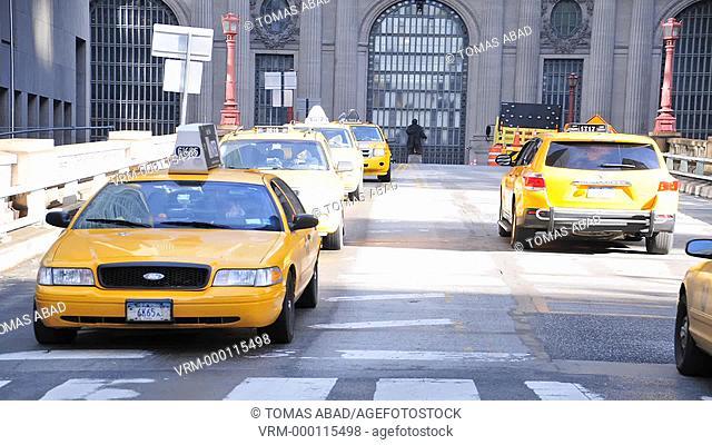 Mass Transit on the Cornelius Vanderbilt Bridge adjacent to Grand Central Terminal, Manhattan, New York City, USA