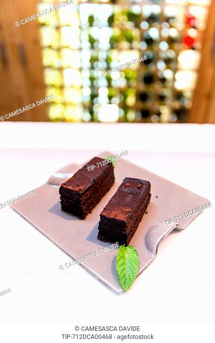 Spain, Catalonia, Barcelona, Santa Caterina market, Chocolate cake at Cuines Santa Caterina restaurant