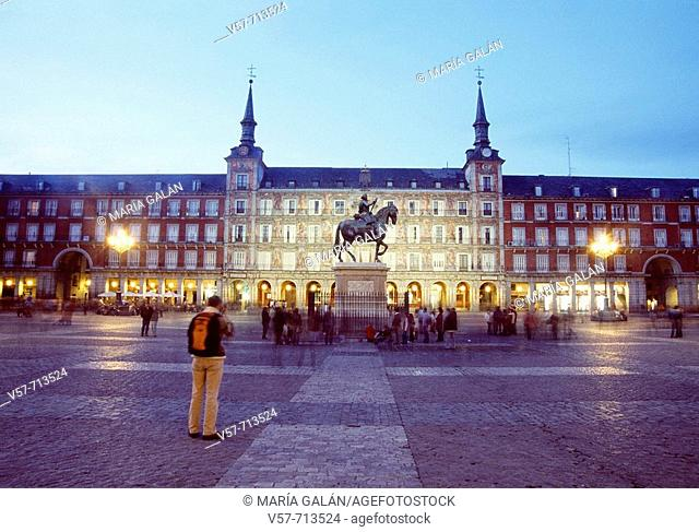 Plaza Mayor, night view, Madrid, Spain