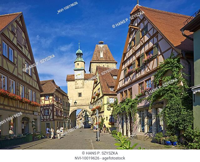 Roedergasse with Markus Tower and Roeder Arch, Rothenburg ob der Tauber, Middle Franconia, Bavaria, Germany