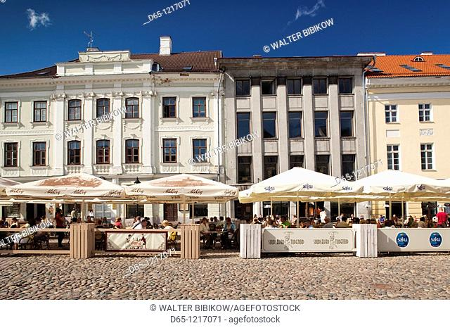 Estonia, Southeastern Estonia, Tartu, Raekoja Plats, Town Hall Square, buildings and cafes