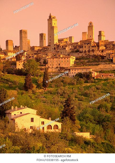 Tuscany, Italy, San Gimignano, Toscana, Europe, Scenic view of the medieval town of San Gimignano in the Chianti Region