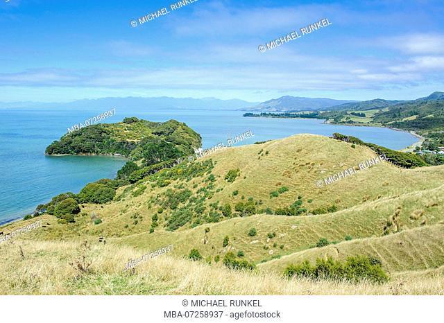 Overlook over the golden bay, South Island, New Zealand