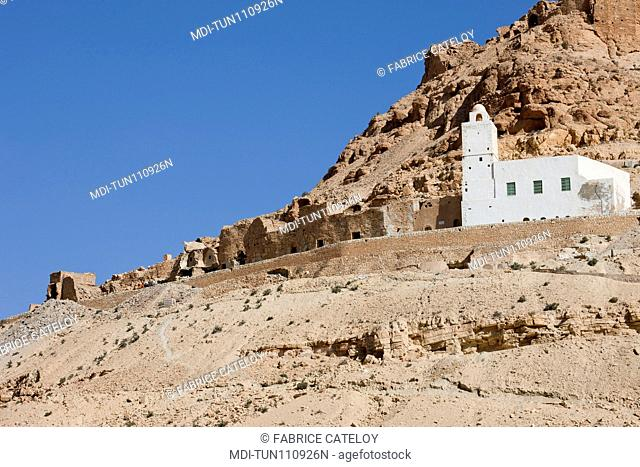 Tunisia - Douiret - View of the village and mosque