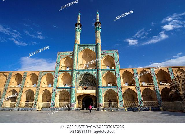 Iran, Yazd City, Amir Chakhmag Mosque and square