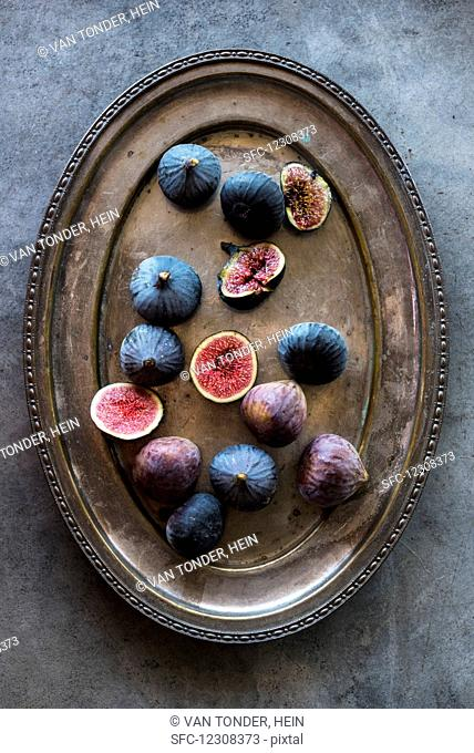 Fresh figs on a metal tray