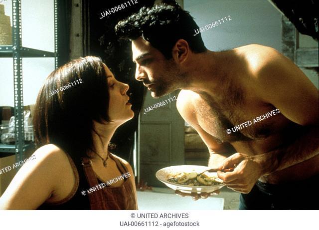 FIVE SENSES / CAN 1999 / Jeremy Podeswa Szene mit Rona (MARIE-LOUISE PARKER) und Roberto 'Luigi' (MARCO LEONARDI) Regie: Jeremy Podeswa / FIVE SENSES CAN 1999