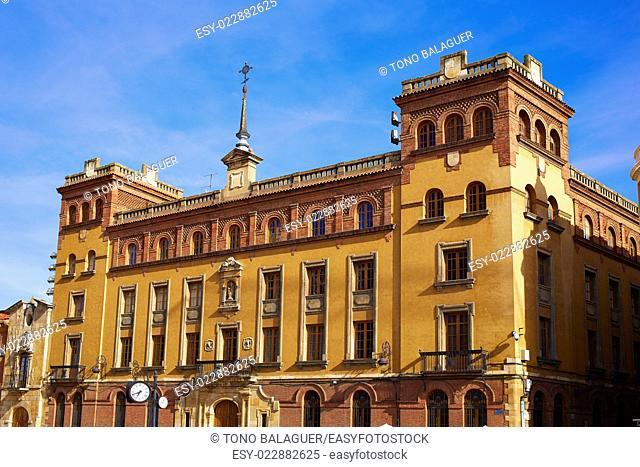 Leon Obispado facade in Plaza Regla square beside Cathedral at Castilla Spain