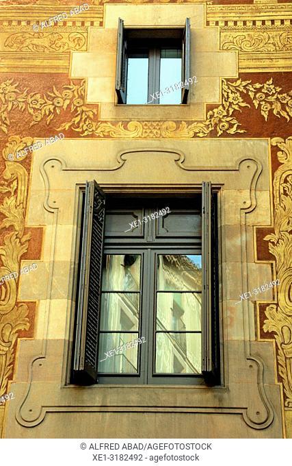 window, Casa del Gremi dels Velers, 1758, architect Joan Garrido, Barcelona, Catalonia, Spain