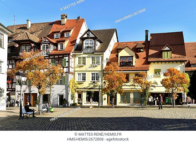 Germany, Baden Wurttemberg, Lake Constance (Bodensee), Meersburg, Schlossplatz Castle square)