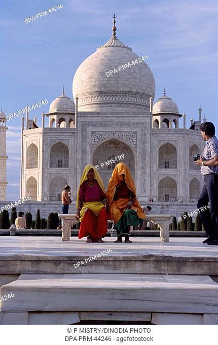 494dffb38814 women sitting at Taj mahal Seventh Wonder of The World   Agra   Uttar  Pradesh