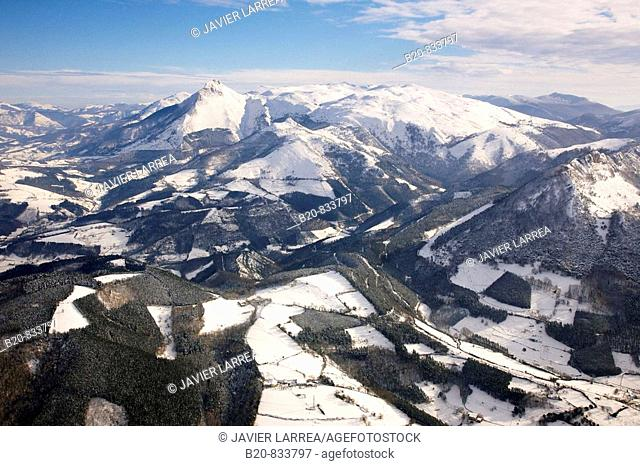 Txindoki mountain, Aralar mountain range, snow, Lazkaomendi. Guipuzcoa, Basque Country, Spain