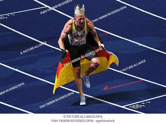 08.08.2018, Berlin: Athletics, European Championships in the Olympic Stadium: Decathlon, 1500 m, Men, Arthur Abele from Germany celebrates gold