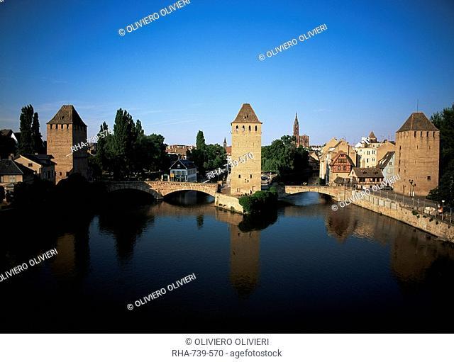 Main gate, Strasbourg, Bas-Rhin department, Alsace, France, Europe