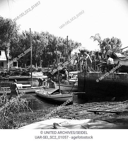 Boote in Buenos Aires, Argentinien 1960er Jahre. Boats in Buenos Aires, Argentina 1960s