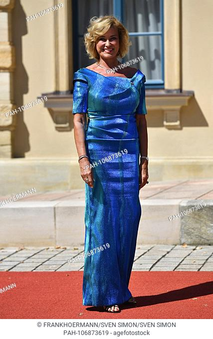 Dagmar WOEHRL, single image, cut out, full body shot, whole figure. , Opening of the Bayreuth Richard Wagner Festival 2018. Red carpet on 25.07.2018