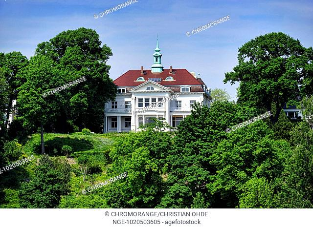 Mansion at the shore of river Elbe in Hamburg, Germany
