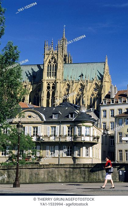 Cathedral St Etienne and Pont des Roches, Metz, Moselle, Lorraine region, France