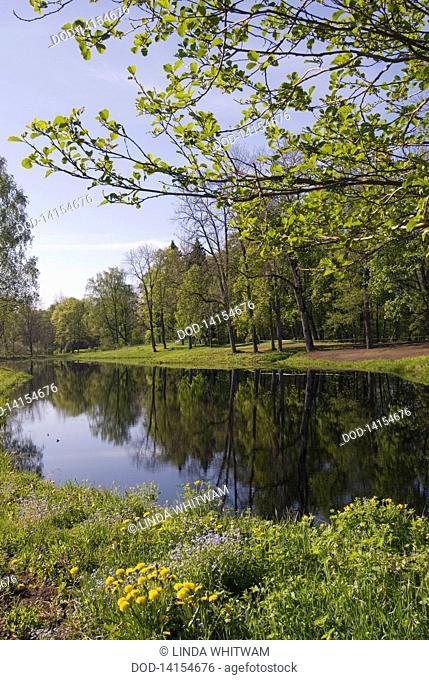 Latvia, Gauja National Park, Dikli, View of river and wooded banks