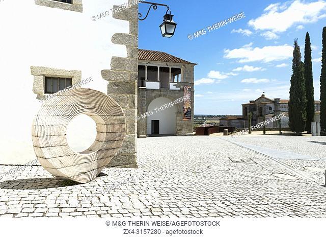 St Miguel palace and Roda statue, UNESCO World Heritage Site, Evora, Alentejo, Portugal