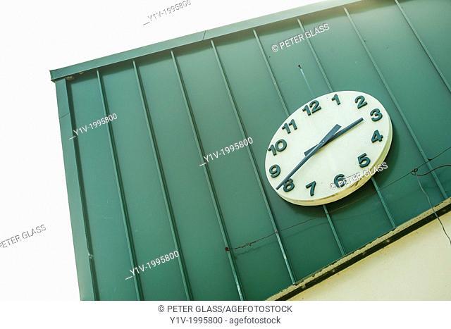 Outdoor clock