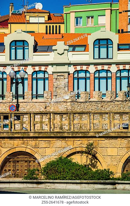 The colorful houses of the Cimadevilla's neighborhood. Cimadevilla, Gijón, Asturias, Spain, Europe