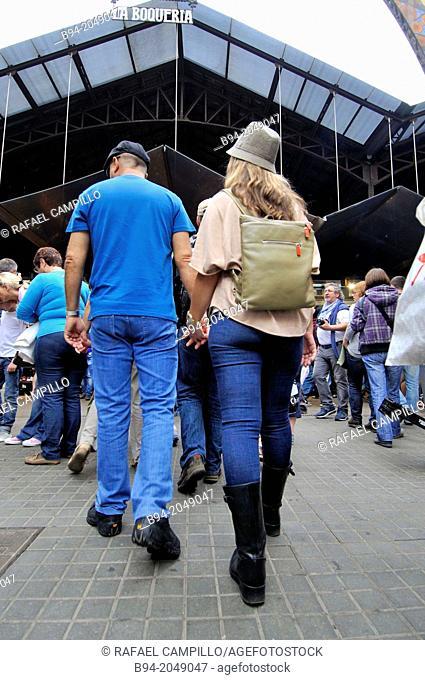Couple, Sant Josep (aka La Boqueria) market, Barcelona, Catalonia, Spain
