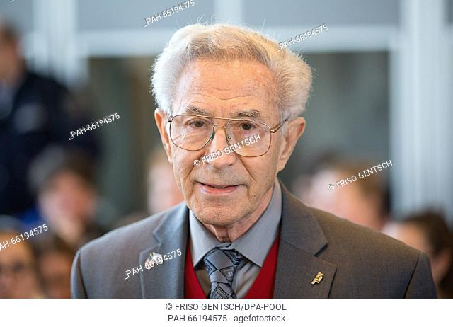 Auschwitz survivor Benjamin Lesser seen in the courtroom during the trial against former Auschwitz SS-guard Reinhold Hanning in Detmold, Germany