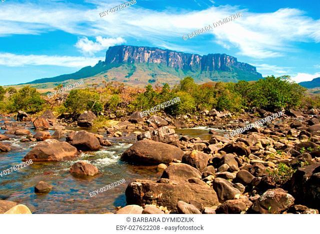 Kukenan table mountain with Kukenan River in front, Great Savanna, Canaima National Park