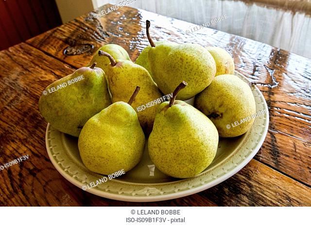Plate of fresh pears