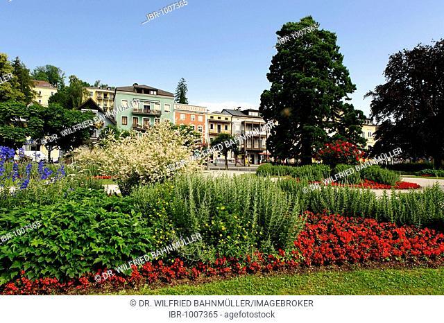 Lakeside promenade, Gmunden on lake Traunsee, Upper Austria, Austria, Europe