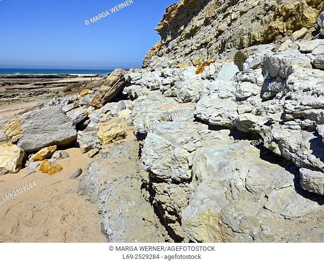 Rocky coast at the Atlantic Ocean, Ericeira, Region Centro, District Lisbon, Portugal, Europe