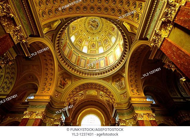 Interior of St Stephen's Basilica,  Szent Istvan Bazilika  , Neo Classical building, Budapest, Hungary