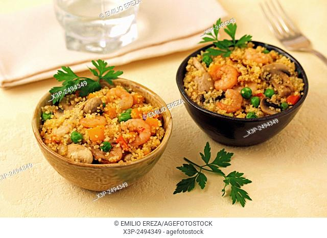 Couscous with prawns and mushrooms