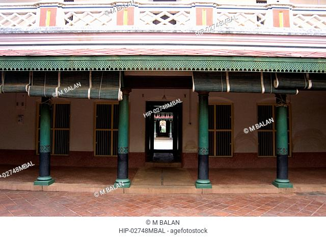 TRADITIONAL WOOD AND STONE WORKS OF KARAIKUDI HOMES, CHETTINAD, TAMIL NADU