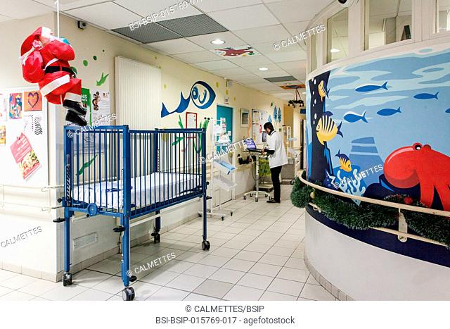 Entrance of a paediatric service in an hospital. Aix en Provence