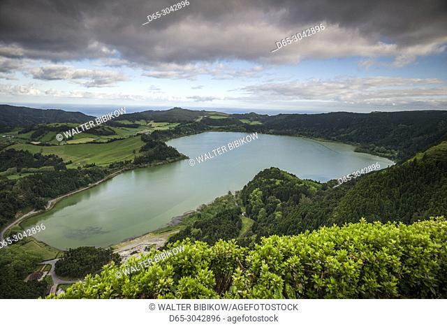 Portugal, Azores, Sao Miguel Island, Furnas, Lago das Furnas lake, elevated view from Pico do Ferro