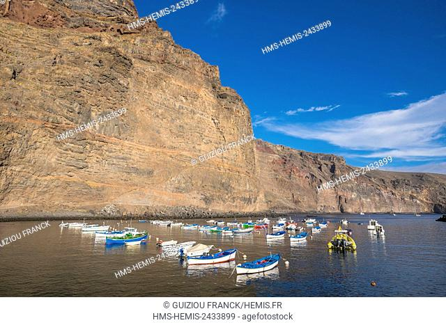 Spain, Canary Islands, La Gomera island declared a Biosphere Reserve by UNESCO, Valle Gran Rey is the most popular searesort of the island, Vueltas harbour area