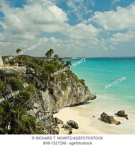 Mexico, Riviera Maya, Mayan Ruins at Tulum over looking the beach on Carribbean Sea