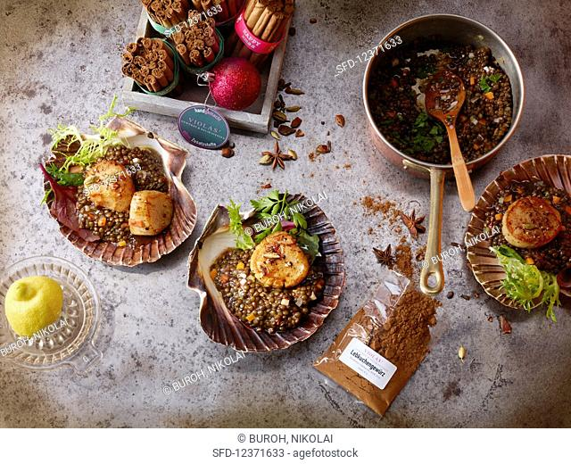 Scallops with lentils and gingerbread spice (Christmas)