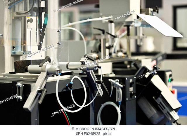 Industrial profile processing machine
