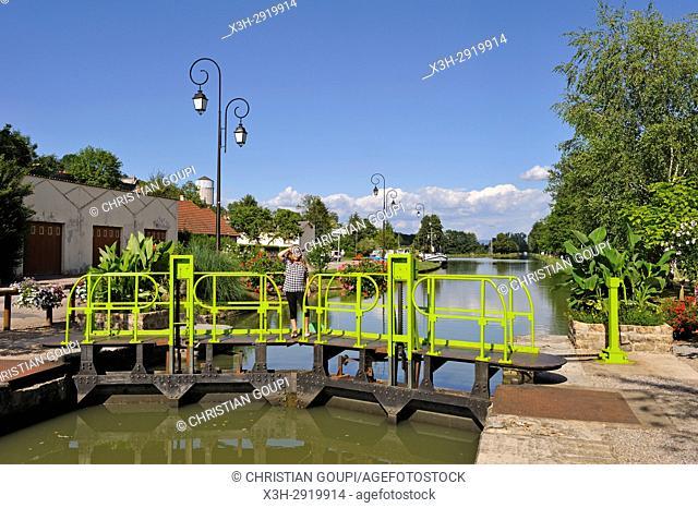 lock on Canal du Nivernais at Cercy-la-Tour, Nievre department, Bourgogne-Franche-Comte region, France, Europe