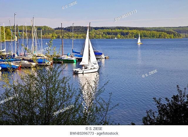 sailboats on Moehne Reservoir, Germany, North Rhine-Westphalia, Sauerland, Moehnesee