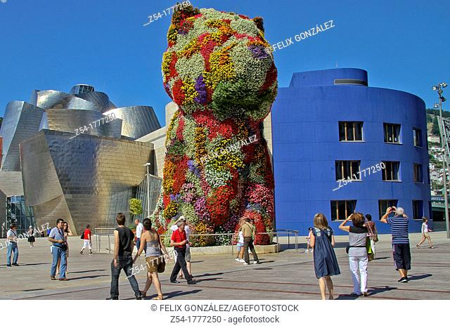 Puppy' statue by Jeff Koons, Guggenheim Museum, Bilbao, Basque Country Spain