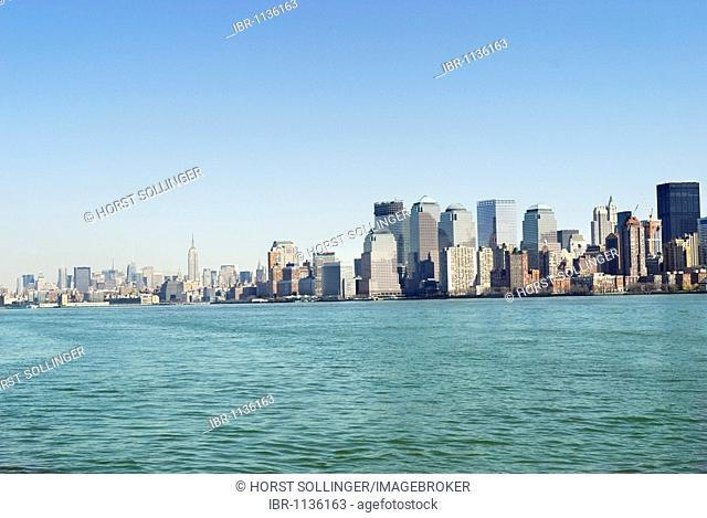 View of Financial District in Lower Manhattan across Hudson River, Manhattan, New York, USA