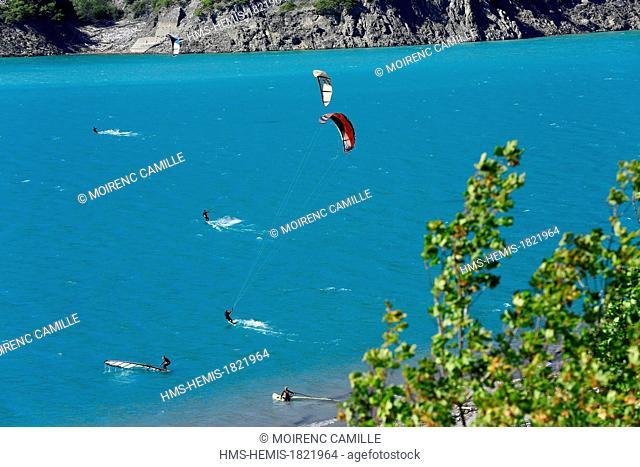 France, Hautes Alpes, Lac de Serre Poncon