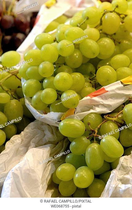 Grapes for sale at La Boqueria market, Barcelona. Catalonia, Spain
