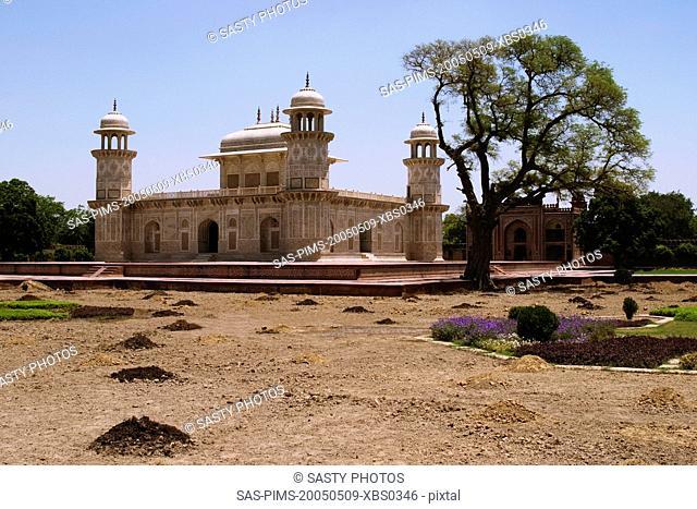 Facade of a mausoleum, Itmad-ud-Daulah's Tomb, Agra, Uttar Pradesh, India